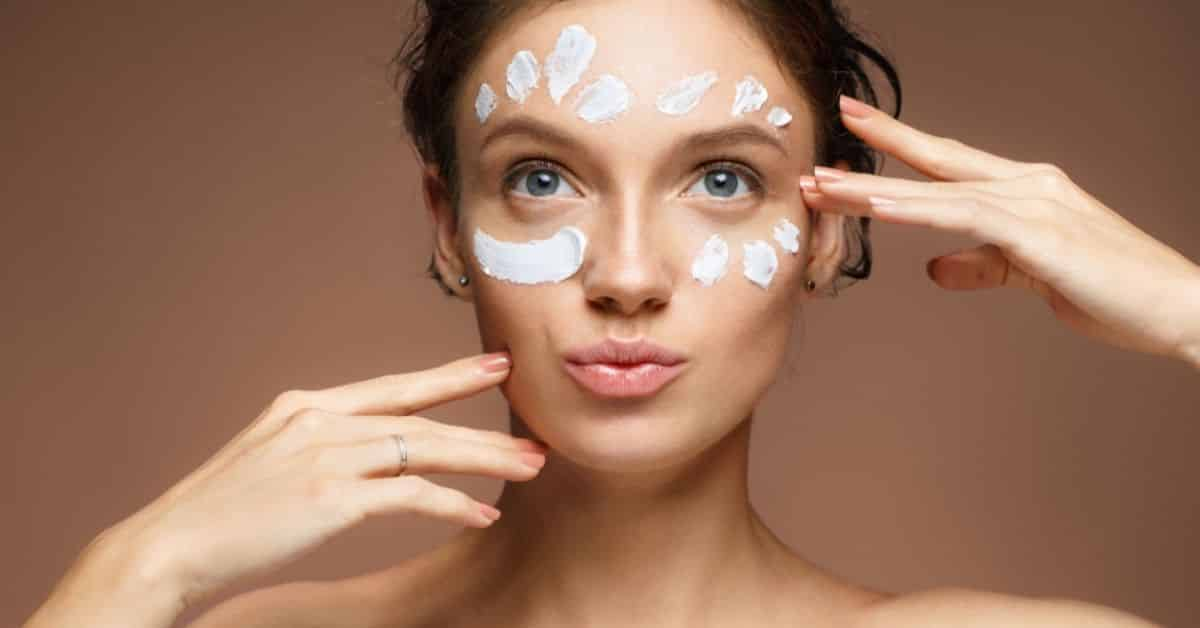 8 best moisturizer for oily skin with spf 30 [2021]